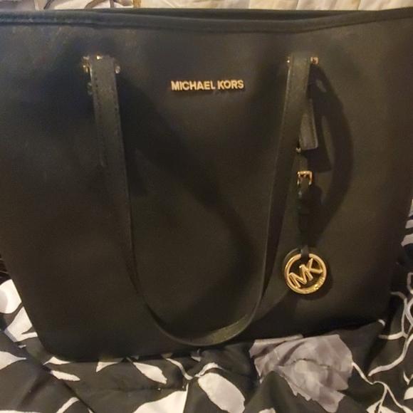 Michael Kors Handbags - Micheal kors black purse